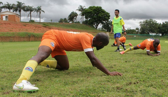 NELSON SANTOS: «Não é este o futebol que eu quero»