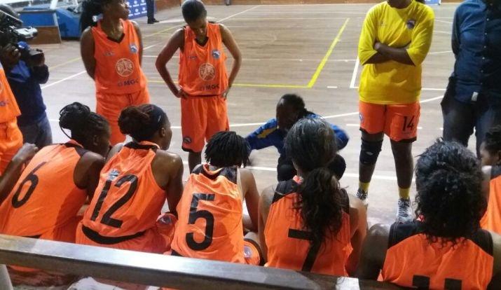 Meninas de Deolinda Ngulela nas meias-finais