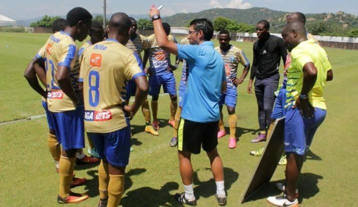 Triunfo no amigável com Mbombela