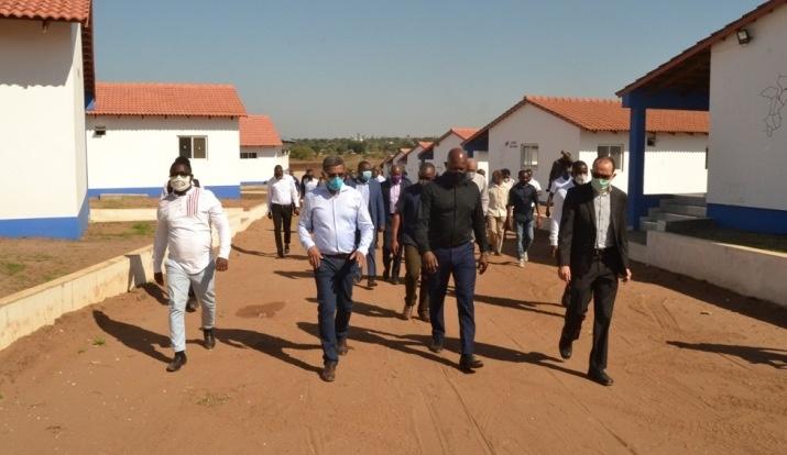 Jeremias da Costa na comitiva do SED na visita as instalações da ABB